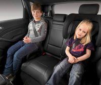 Детей разрешат перевозить без автокресла